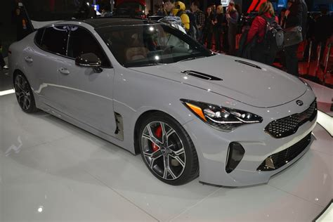 new kia stinger shows its colors in detroit carscoops