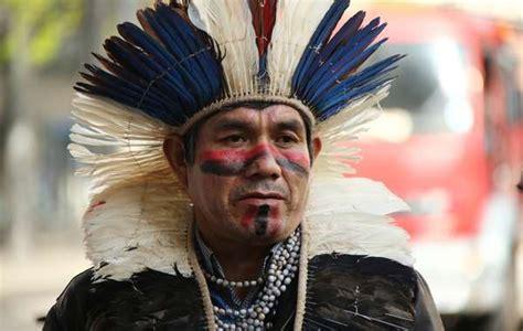 imagenes de niños indigenas l 237 der ind 237 gena guaran 237 kaiow 225 recurre a europa para salvar