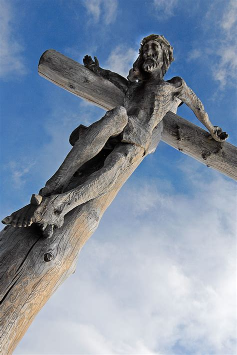 jesus cross summit  photo  pixabay