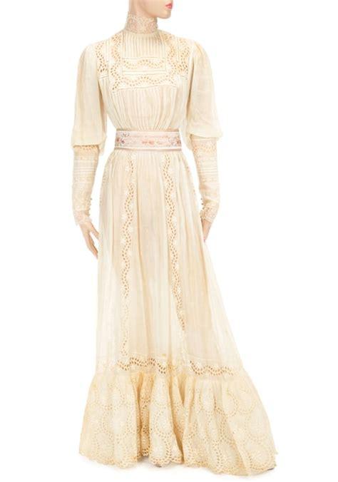 jane fonda yellow dress jane fonda yellow dress jane fonda to auction off