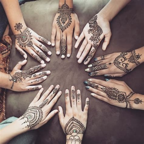 hire henna crafts by ayesha henna artist in