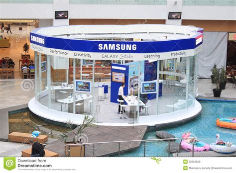 Samsung Store Gift Card - samsung store editorial stock image image 32551559