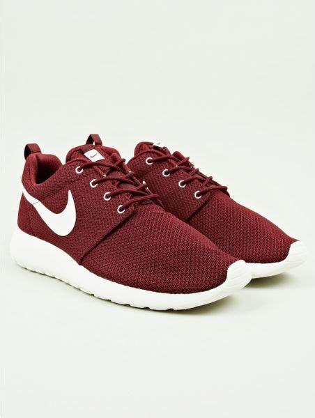 burgundy sneakers nike nike mens burgundy roshe run sneakers in for