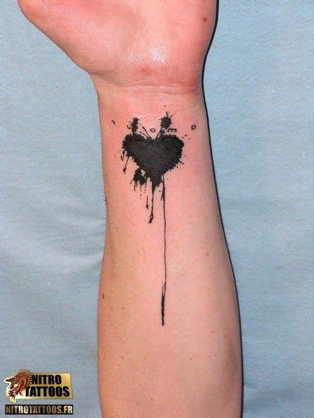 tattoo meaning broken heart tatouage coeur simple tatoo pinterest simple