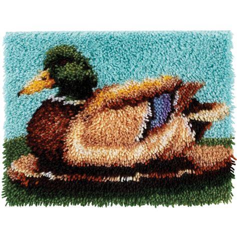 latch hook rug binding wonderart latch hook kit 15 quot x20 quot duck home crafts hobbies general craft supplies