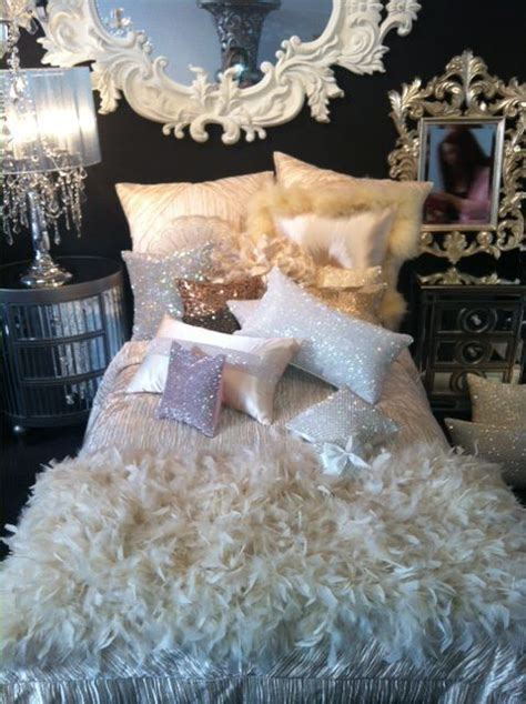 sparkly bedroom decor 25 best ideas about glamour bedroom on pinterest