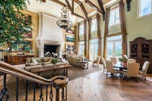Mansfield Interiors Tyler Perry S Atlanta Mansion Is Up For 25 Million
