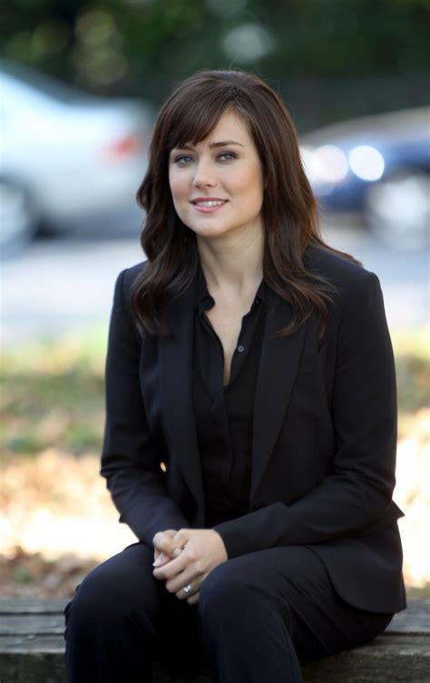 lizzie on blacklist elizabeth keen megan boone the blacklist tv series