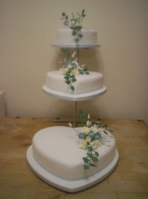 Wedding Cake 3 Tier by Amazing 3 Tier Shaped Wedding Cake Design On