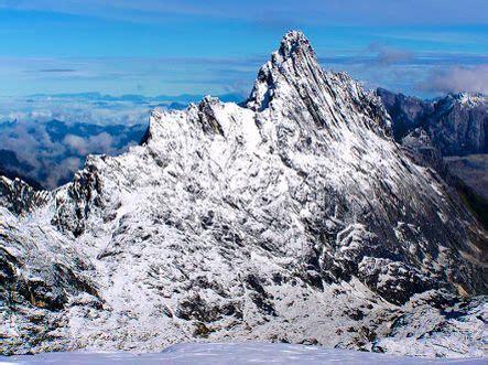 Cartenz Pyramid New forever snow carstensz pyramid puncak jaya wijaya 5