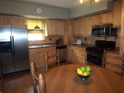 sprucing up kitchen cabinets sprucing up kitchens realtor 174