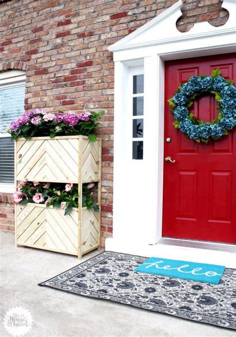 beautiful diy planters  spring resin crafts