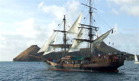 barco pirata goonies uncommon attraction the brig unicorn pirate ship st