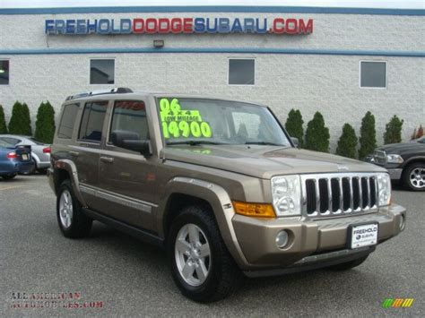 Jeep Commander 4x4 2006 Jeep Commander Limited 4x4 In Light Khaki Metallic