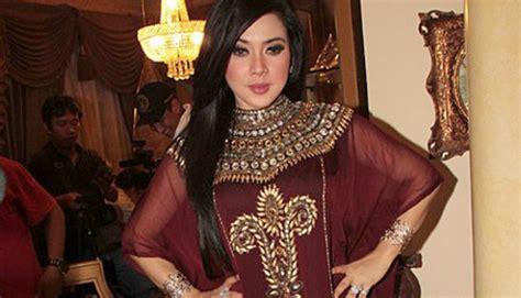 Kaftan Gamis Brukat Nagita Syahrini Caftan Lebaran Baju Pesta Wanita lebaran pakai kaftan seleb model syahrini dan nagita