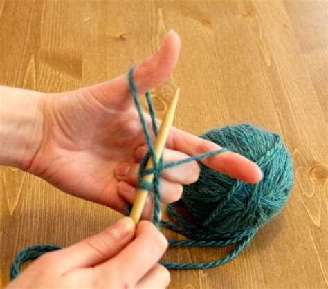 how to cast on knitting needles how to cast on for knitting needles and how