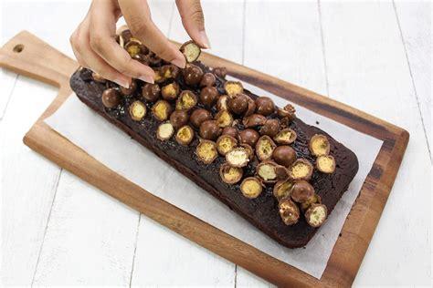 chocolate cake  maltesers maya kitchenette