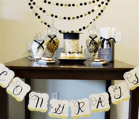 Graduation Party Giveaway Ideas - diy congrats banner b lovely events