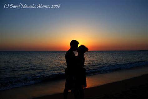imagenes romanticas en la playa beso atardecer fotos de tus vacaciones otras ciudades y
