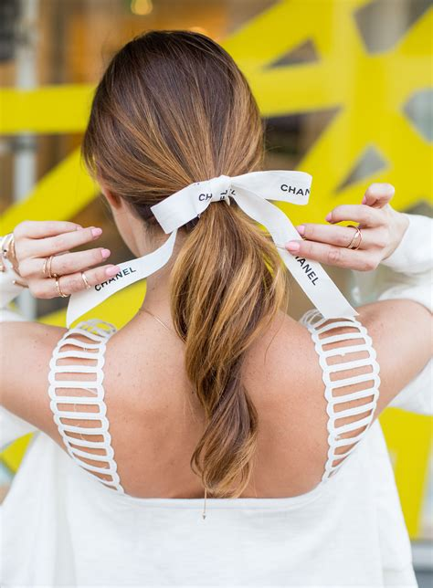 8 Ways To Wear Bows by Guys Wearing Bows In Their Hair Three Tips For Wearing The