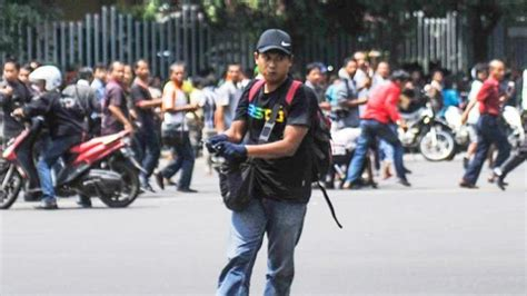 Celana Polisi Bom Sarinah biografi profil biodata profil afif sunakim pelaku bom sarinah