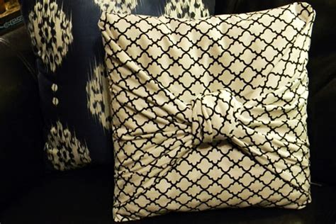 How To Make A Throw Pillow Without A Sewing Machine by How To Make A Pillowcase Without Sewing Ideas Crafts