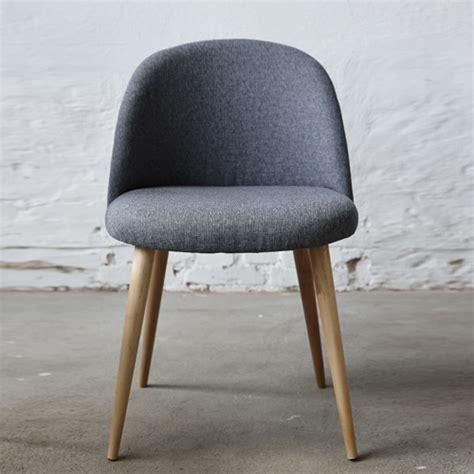 chaises en m 233 tal ou en zinc chaises en velours ou en cuir