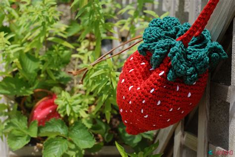 crochet pattern strawberry purse strawberry crochet bag and purse ahookamigurumi