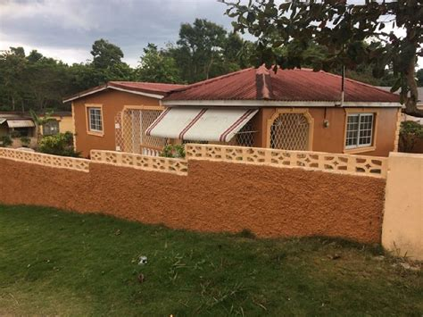2 Bedroom 2 Bathroom House For Rent In Mandeville Manchester Jamaica For 35 000