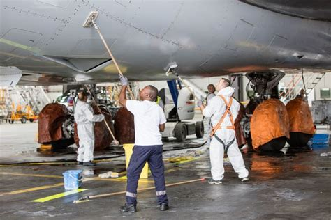 in focus aircraft cleaning lufthansa technik ag