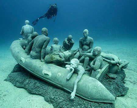 Under Ter Sculptures