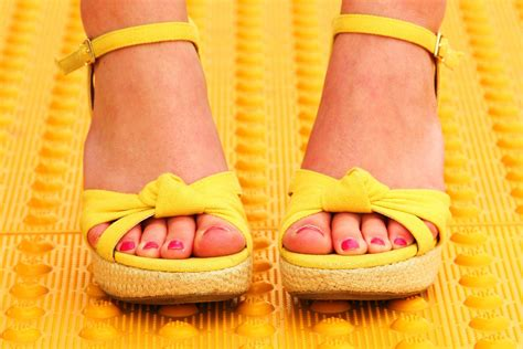 17 Most Fabulous Flat Shoes For Summer by 18 Fabulous Flat Shoes And Sandals For Summer