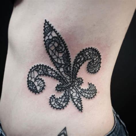 small fleur de lis tattoo 25 beautiful fleur de lis tattoos