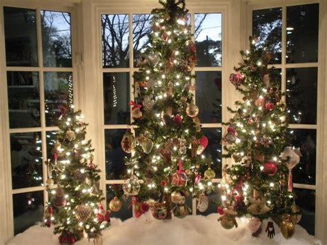 christmas window ideas for bay window trees in a bay window trees jingle bells tree