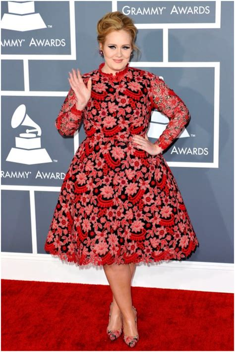 adele grammys dress 2013 see the singer s red carpet look tan chic premios grammy 2013 las peores vestidas