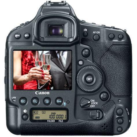 Best DSLR Cameras for Wedding Photography