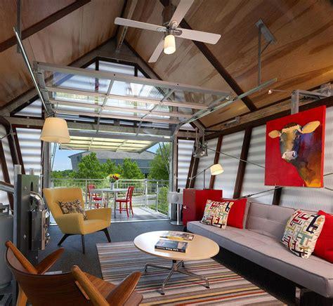 garage door tiny house dise 241 o de casa muy peque 241 a de co construye hogar