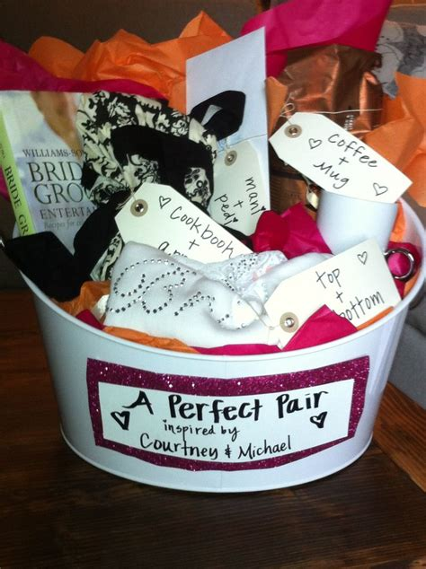 south bridal shower gifts bridal shower gift pairs basket all the gifts came in pairs crafty