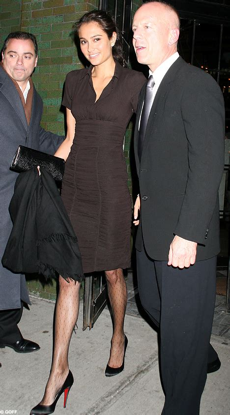 Bruce Willis Dating 23 Year Playmate Model by Do You Think Bruce Willis S New Looks Like Demi