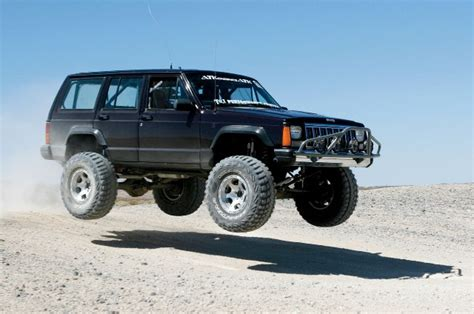 The World S Greatest Suv S 1984 2001 Jeep Cherokee The
