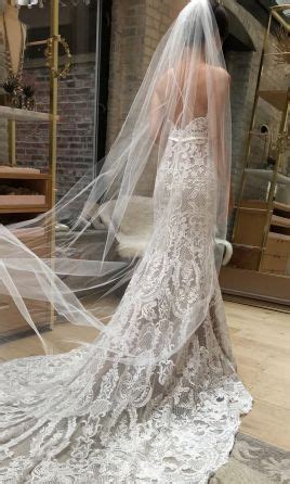 search used wedding dresses & preowned wedding gowns for sale