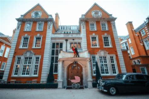 tamara ecclestone house tamara ecclestone poses with daughter sophia inside 163 70 million london home