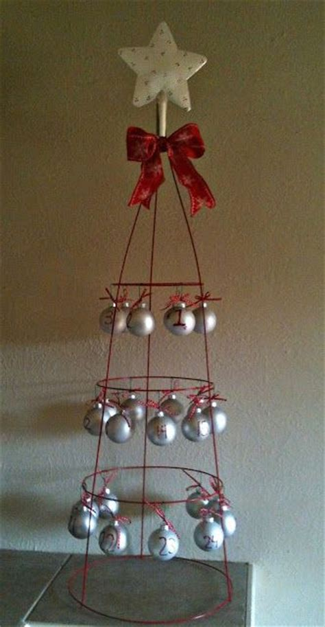 how to display christmas ornaments at fair best 25 tomato cage crafts ideas on tomato cage tomatoe cage tree and