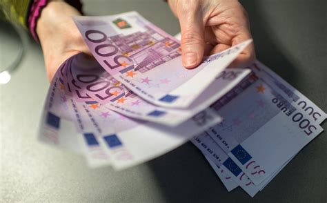 argumente wenig ueberzeugend bundesbank haelt   euro