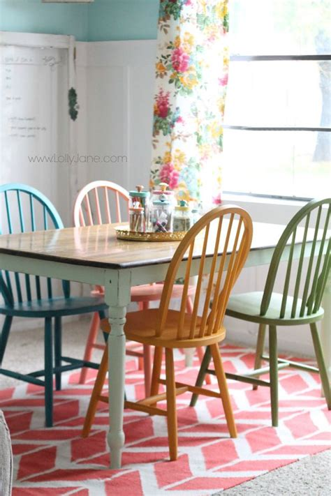 Kitchen Table Colors 25 Best Ideas About Chalk Paint Chairs On Chalk Paint Fabric Painting Fabric