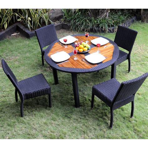 table et chaise resine tressee ensemble table ronde de jardin en teck et chaises de jardin en r 233 sine