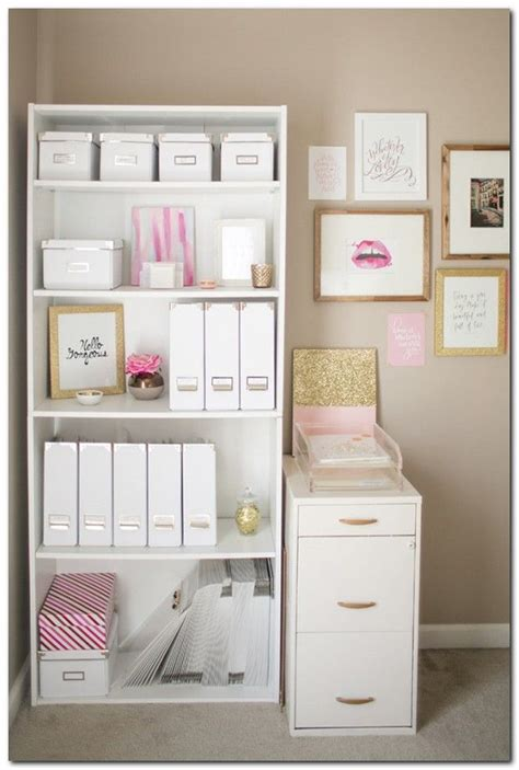 organizing a small bedroom best 25 small desk bedroom ideas on pinterest small