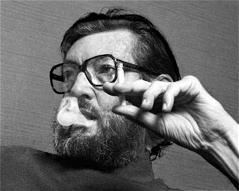 julio cortazar biography in spanish biography of julio cortazar argentine writer one of the