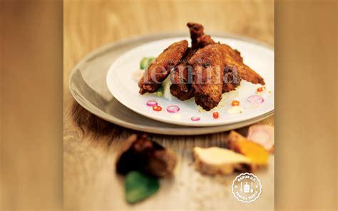 chicken wings bumbu keluak budaya indonesia