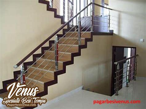 Lu Dinding Minimalis Kayu Stainless harga railing tangga minimalis